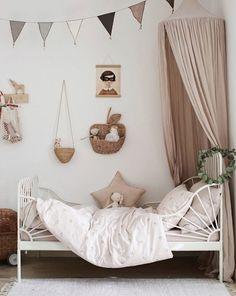 ikea fikirleri ocuk IKEA Deutschland on Inst - ikea Baby Bedroom, Girls Bedroom, Ikea Bedroom, Ikea Girls Room, Bedroom Furniture, Ikea Minnen Bed, Cama Ikea, Kids Room Design, Big Girl Rooms