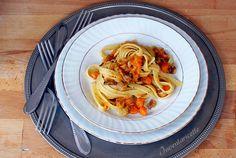 Le fettuccelle con zucca e castagne sono un primo piatto di prima classe. Fettuccelle with pumlkin and chestnuts