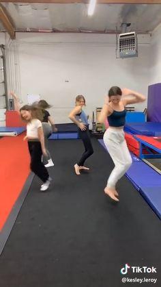 "Annie and Hayley LeBlanc - TikTok """" Dance Choreography Videos, Dance Videos, Moms Videos, Music Videos, Julianna Grace Leblanc, Hayley Leblanc, Annie Grace, Annie Lablanc, Annie Leblanc Outfits"