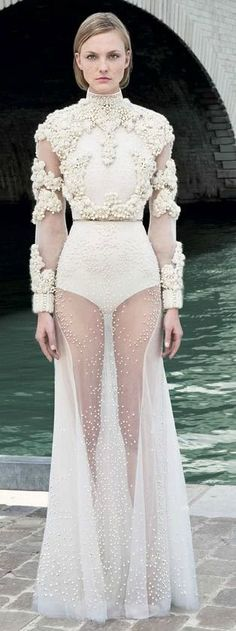 awesome Givenchy couture in heavenly white - Fashionising.com id
