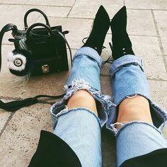 Kylie Jenner WInter Fashion Pointy High Heel Boots Black Ripped Denim Jeans Coat Style Trend Celebrity Handbag Designer Fashion