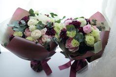 一会 ウエディングの花 Bouquet Wrap, Flower Bouquets, Wedding Bouquets, Flower Packaging, Wrapping, Wraps, Gardening, Paper, Shop