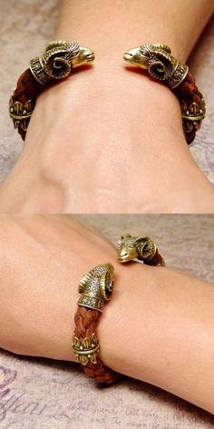Viking Bracelet, Viking Jewelry, Boho Jewelry, Mens Gold Bracelets, Fashion Bracelets, Paracord, Gold Pendants For Men, Bronze Jewelry, Fitness Bracelet