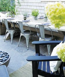 11 tips for a backyard garden party