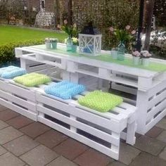 Pallet Patio Set from Smart School House