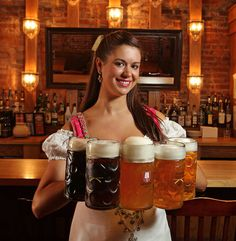 big boobs dirndl - Google-søgning | beer girls | Pinterest ...