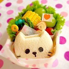 cat sandwich cut-out bento | via Cookpad