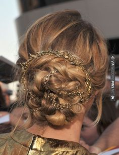 Jeweled Braided Bun woven necklace | VIA #WEDDINGPINS.NET