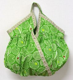 "Gathered ""Cashe couer"" Handbag for St. Patrick's Day - Free Sewing PDF + How to Sew Velvet"