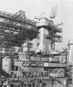 File:USS North Carolina (BB-55) forward superstructure, August 1941.