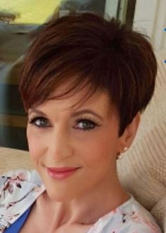 Today we have the most stylish 86 Cute Short Pixie Haircuts. We claim that you have never seen such elegant and eye-catching short hairstyles before. Pixie haircut, of course, offers a lot of options for the hair of the ladies'… Continue Reading → Pixie Haircut For Thick Hair, Short Pixie Haircuts, Cute Hairstyles For Short Hair, Pixie Hairstyles, Curly Hair Styles, Fat Girl Haircut, Teenage Hairstyles, Simple Hairstyles, Layered Hairstyles