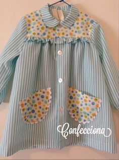 Bata escolar Ideias Diy, Girls Dresses, Summer Dresses, Baby Shirts, Knitting For Beginners, Boy Outfits, Babys, Girly, Clothes