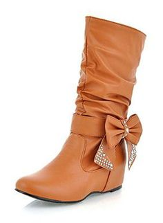 so cute! brown boots with a sparkly bow