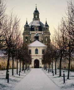 Pažaislis Monastery in Kaunas, Lithuania//