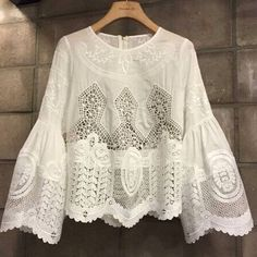 SINFOREY. Nuestra blusa preferida. #temporada #blusabordada #buenabonitaybarata #blusa #bordada #blouse #embroidery #boho #bohemian #bohochic #Style #stylestreet #styleblogger #lifestyle #fashionstore #fashion #bloggers #sinforey by sinforey