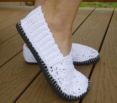 Plug hole in flipflop soles with clear Kitchen caulking - Blanket-stitch crochet slipper with Black yarn around the sole edges. Genius! Crochet slipper with grey or black bottoms and color yarn of choice tops.