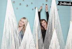 3D string tree Smilebooth photobooth decor #holidaypartydown