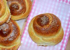 Puha, foszlós, klasszikus pékremek! Hungarian Desserts, Hungarian Recipes, Sweet Pastries, Bread And Pastries, Baking And Pastry, Bread Baking, French Bakery, Croatian Recipes, Winter Food