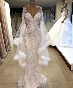 Luxury evening dresses Luxus Abendkleider Luxury evening dresses Source by Dresses Stunning Wedding Dresses, Beautiful Gowns, Elegant Dresses, Fancy Wedding Dresses, Beautiful Outfits, Wedding Lace, Bridal Lace, Diamond Wedding Dress, Wedding Gowns