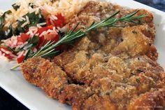 Cheftaíco - Receitas - Bife a milanesa e arroz com tomates e manjericão