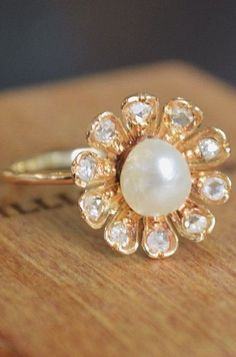 Mahola Ring in Rose Gold