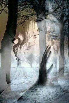 Te quiero aunque guarde silencio,  te amo aunque no me atreva a decírtelo,  te pienso aunque no estés,  te añoro aunque estés,  te sonrío aunque no me mires.. Ámame.