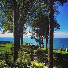 This is a perfect breakfast spot, if we've ever seen one! Instagrammer @angelinafeldman shared this gorgeous Lake Michigan view from her stay at a bed and breakfast in St. Joseph. Thanks for sharing!