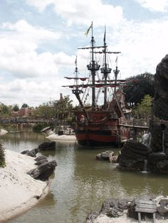 El Barco Pirata, Disneyland Paris Sailing Ships, Boat, Disneyland Paris, Elopements, Pirates, Boats, Parks