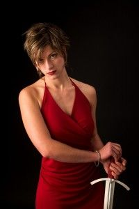 """Personaje real: Samantha Catto-Mott (alias """"Samantha Swords""""), esgrimista"""