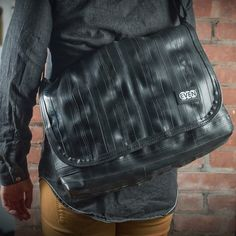 Eighty Laptop #Messengerbag // made from #upcycled bike inner tubes. #madeinusa www.evenodd.us