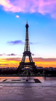 Have you ever been to Paris? Beautiful Paris, I Love Paris, Beach Pictures, Pretty Pictures, Paris Torre Eiffel, Paris Wallpaper, City Sky, Majestic Animals, Pretty Wallpapers
