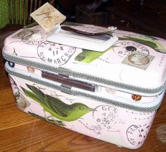 This is a darling little vintage Samsonite train case in excellent condition. I have decoupaged it with Italian vintage style papers with a French birds Paris recycled upcycled makeover pastel white pink green