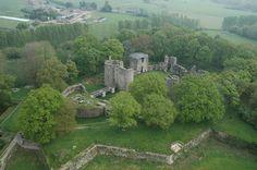 Le château de Ranrouët est une forteresse médiévale située sur la commune d'Herbignac, 44. Construit au xIIe siècle dans ce qui est alors le duché de Bretagne, il est progressivement aménagé jusqu'au xviie siècle, puis abandonné en 1793.