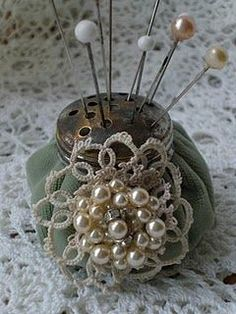 To DO: Create a Shaker Top Pincushion to better display some of my vintage hat pins ...after the holidays project!: