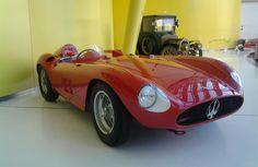 E' arrivata al Museo Enzo Ferrari la Maserati 300S del 1956 con motore V12 60°, 2991 cc e 260 CV.