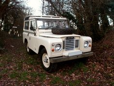 //1982 Land Rover series 3 station wagon | Retro Rides