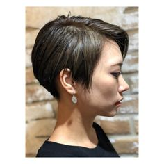 ✂︎ . @miyazaki.affetto2018 さん作 #バッサリ #刈り上げ 新しい髪型はこんな感じ〜 . ②枚目の写真は#加工なし . . #hairstyle #hair #pixiecut #shorthair #tomboy #nice #instagood #instastyle #hairsalon #ヘアスタイル #ショート #ピクシーカット #刈り上げ女子