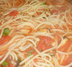--ITALIA-FOOD: spaghetti con cozze e vongole by Francesco  -Welcome and enjoy-  #WonderfulExpo2015  #Wonderfooditaly #MadeinItaly #slowfood  #Basilicata #Toscana #Lombardia #Marche  #Calabria #Veneto  #Sicilia #Liguria #ValledAosta #Pollino #airbnb #LiveThere #FrancescoBruno    @frbrun   frbrun@tiscali.it