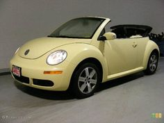 VW Beetle - me want! Volkswagen New Beetle, Beetle Bug, Vw Beetles, Yellow Car, Mellow Yellow, Pastel Yellow, Pretty Cars, Cute Cars, Home