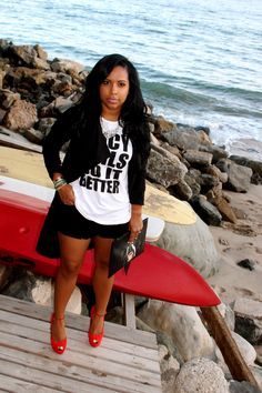 M- I have several graphic tees from my boutique. I love the lean longer black outer layer with the black shirts and red shoes. Edgy Outfits, Short Outfits, Fashion Outfits, Diva Fashion, Fashion Looks, Womens Fashion, Pretty Girl Swag, Barbie, Love Her Style