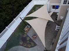 Look at pictures of Shade Sail Layout Designs. Great way to get ideas of how to layout a design for your backyard Sun Sails Backyard Shade, Outdoor Shade, Patio Shade, Pergola Shade, Shade Garden, Backyard Patio, Backyard Landscaping, Patio Wall, Pergola Patio