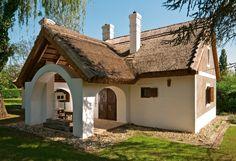 Szigliget - Nyaraló - Vidéki hangulat Cordwood Homes, Adobe House, Cute Cottage, Mediterranean Style Homes, Weekend House, Natural Building, Cottage Homes, Little Houses, Victorian Homes