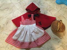 Disfraz de Caperucita Roja Más Red Riding Hood Costume Kids, Red Riding Hood Party, Cute Costumes, Baby Costumes, Halloween Costumes, Newborn Bebe, Little Red Ridding Hood, Baby Kostüm, Baby Dress Design