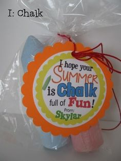 END of SCHOOL & party fun - Set of 12 UNIQUE & personalized goodie bag tags!   Jane