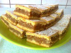 Omlós almás pite, sok hasonló sütit készítettünk már, de ez lett a nyerő Hungarian Desserts, Italian Desserts, Winter Food, Cookie Recipes, French Toast, Deserts, Food And Drink, Yummy Food, Sweets