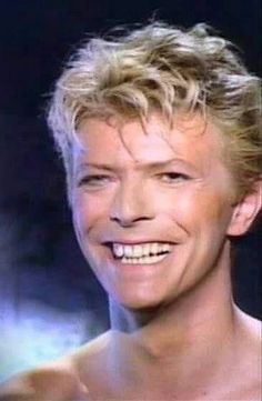 David Bowie from China Girl video. David Bowie Music, David Bowie Tribute, David Bowie Art, Images Of David Bowie, The Thin White Duke, Pretty Star, Major Tom, China Girl, Girl Gifs