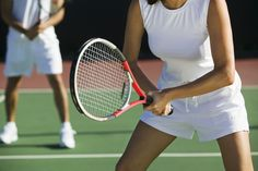 Tennis is one of the healthiest sports you can play, but that doesn't mean there aren't risks. A Mayo Clinic orthopedic hand and wrist surgeon says tennis can be quite rough on the wrists. Tennis Doubles, Tennis Match, Muscles In Your Back, Double Game, Arm Curls, How To Play Tennis, Tennis Tournaments, Tennis Tips, Toned Abs