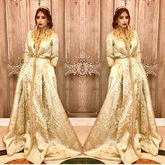 "393 Likes, 3 Comments - نور_الهدى (@preetty_and_elegant) on Instagram: ""#قفطان_مغربي . @yosra_saouff . @sophia_benyahia_kaftan . . . . when a dress gives you royalty…"""
