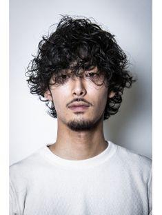 ワイルド×ショート×清潔感 Boys With Curly Hair, Curly Hair Men, Great Haircuts, Haircuts For Men, Permed Hairstyles, Cool Hairstyles, Hair And Beard Styles, Curly Hair Styles, Japanese Men Hairstyle