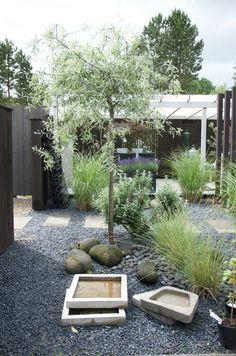 Outdoor Plants, Outdoor Gardens, Outdoor Decor, Eco Garden, Home And Garden, Pea Gravel Patio, Small Yard Landscaping, Back Gardens, Garden Inspiration